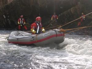 Tethered raft deployment